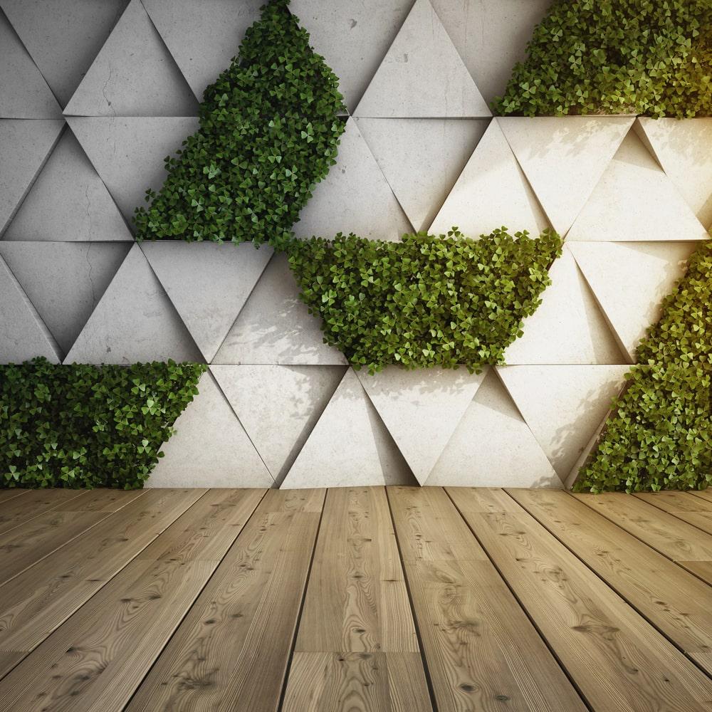Een woonkamer met veel groen