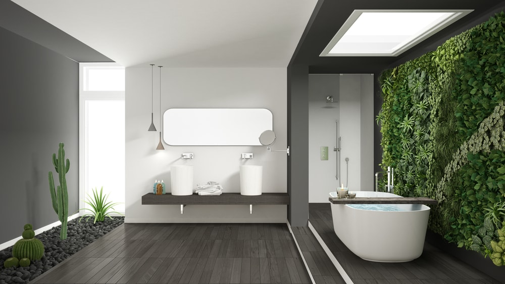 Badkamer met ligbad en:of douche