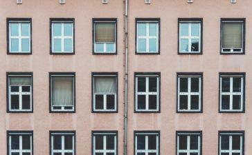 Waar moet je op letten bij het kiezen van raamdecoratie