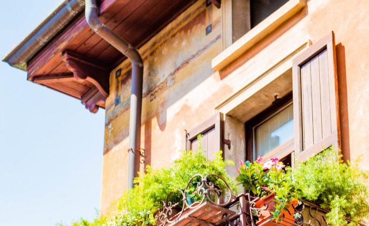 Zo maak je jouw balkon klaar voor de lente